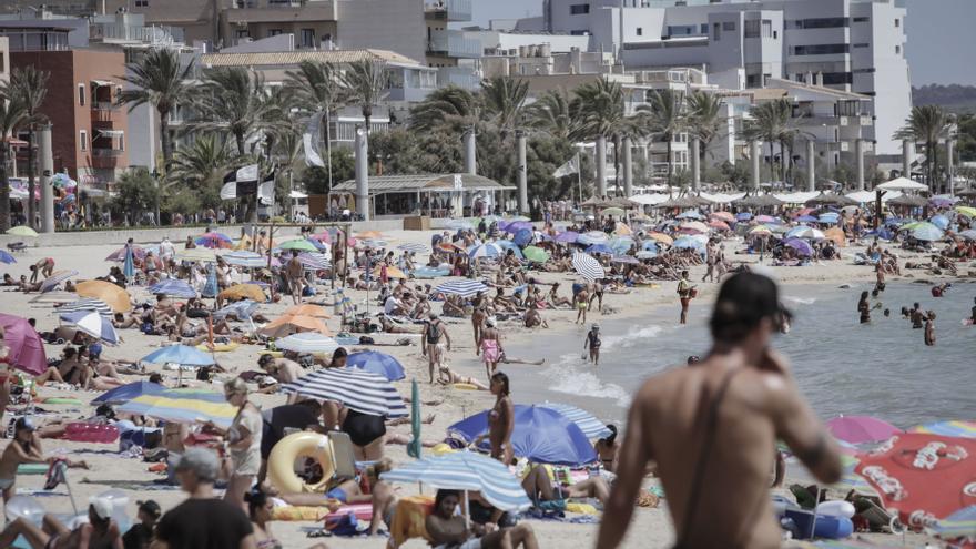 ¿Por qué las jóvenes no hacen toples en la playa?