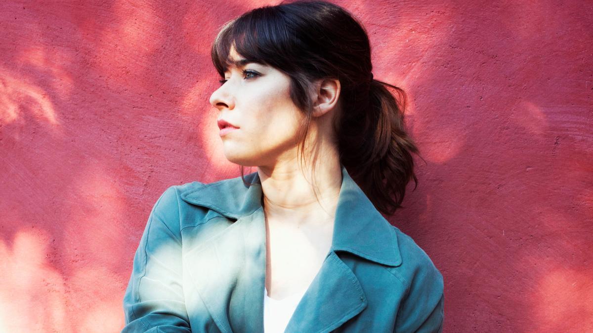 Imagen promocional de Chloé Bird.