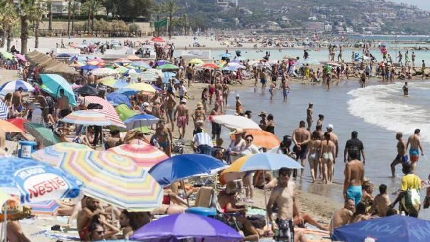 Ordenan el cierre de varias playas de Castellón por la bacteria E.Coli
