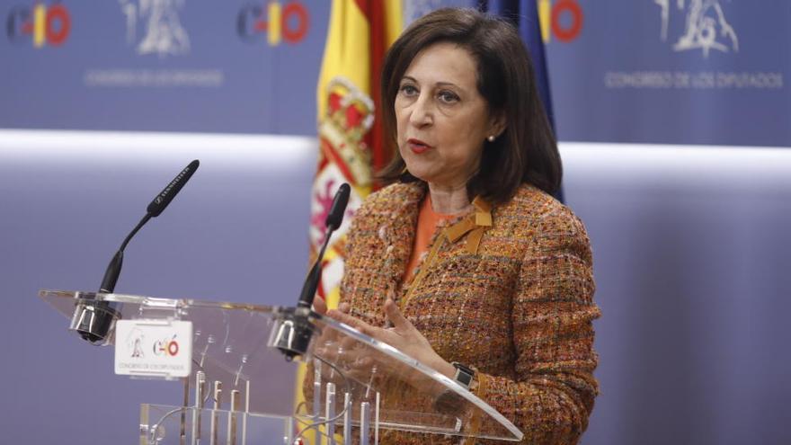 Robles carga contra Podemos por actuar como Gobierno y oposición