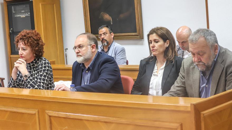 Navarro convoca al grupo socialista de Torrevieja para echar a la edil Serrano de las de las comisiones informativas
