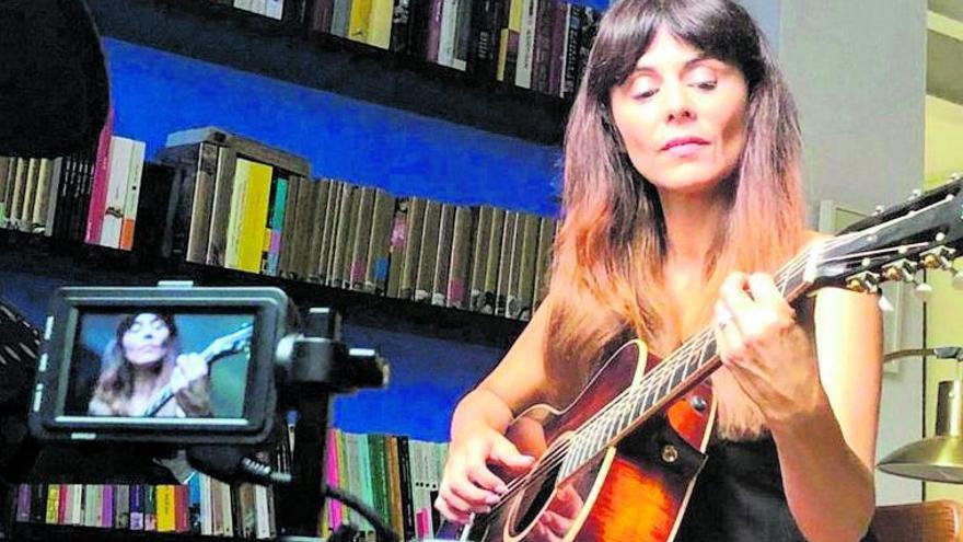 Susu regresa a la música con «Amor platónico»
