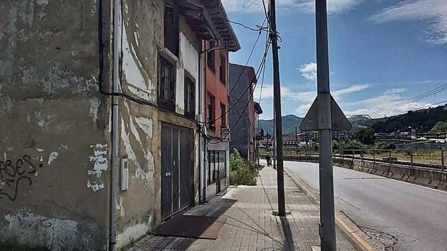 """La reforma del barrio de El Puente exige """"celeridad y consenso"""", afirman los vecinos"""