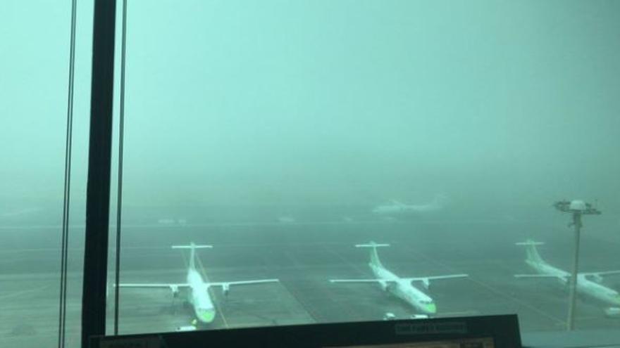 La niebla obliga a Los Rodeos a desviar vuelos a Tenerife Sur