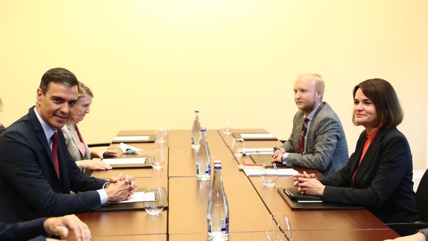Sánchez transmite a Tijanovskaya el compromiso de España con un futuro democrático en Bielorrusia