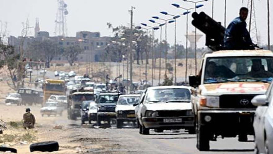 """La OTAN descarta una """"solución militar"""" en Libia"""