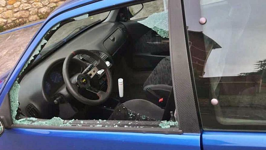 Alarma en Colombres al producirse robos de vehículos tras el incendio de dos coches
