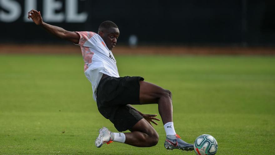 Diakhaby debe marcarse 'un Coquelin' para llegar al Ajax
