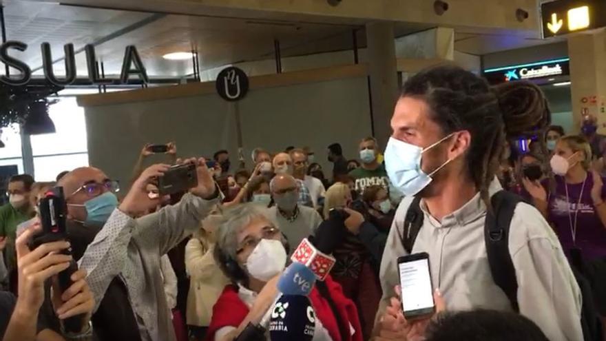 Llegada a Tenerife del exdiputado de Unidas Podemos Alberto Rodríguez tras perder su escaño en el Congreso (23/10/2021)