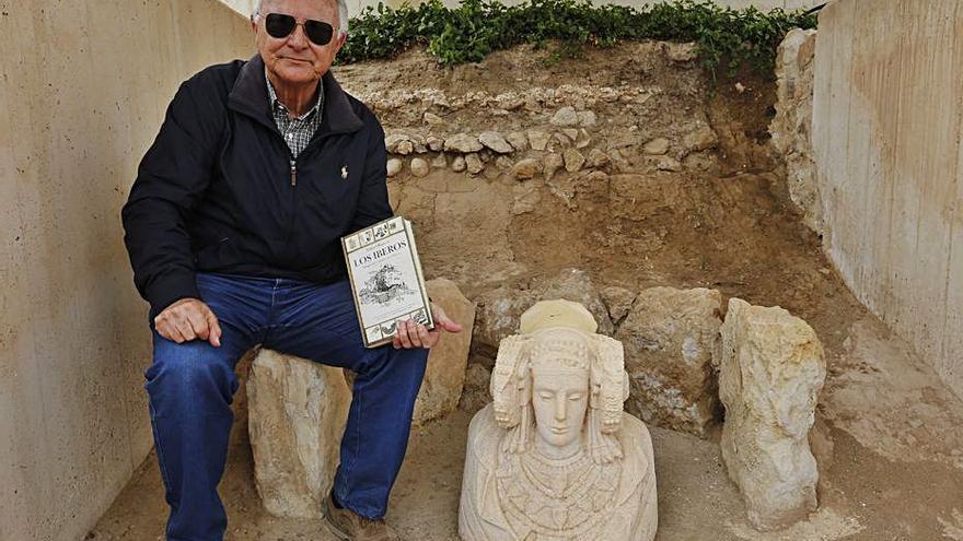 Rafael Ramos revela detalles inéditos de  la Dama de Elche en su último libro