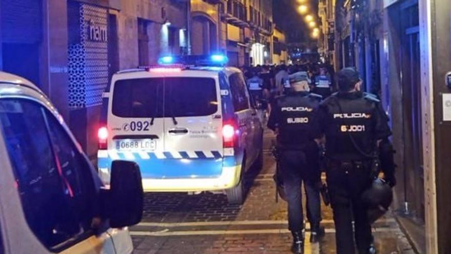 Ocho policías municipales heridos en incidentes en el casco antiguo de Pamplona: hay once detenidos