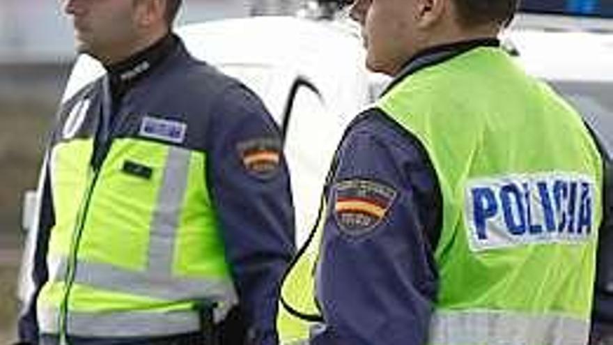 Más de 14 horas en un autobús sin ventilación: así viajan los policías asturianos a Algeciras