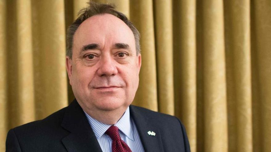 Alex Salmond niega las denuncias de acoso sexual