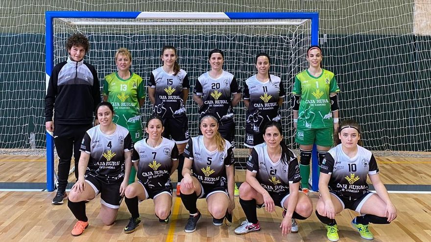 El River Zamora femenino mantiene el liderato