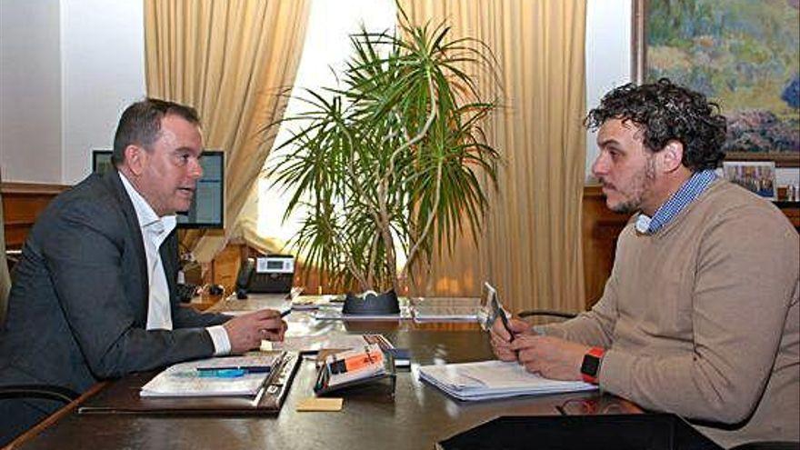Francisco Requejo y Tomás del Bien le piden una entrevista a Pedro Sánchez por Monte la Reina