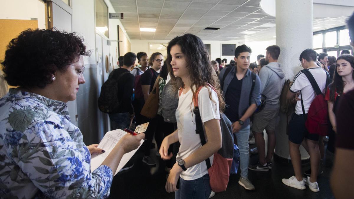 Selectividad 2020: Normas por el coronavirus para realizar los exámenes de la PAU en Valencia, Alicante y Castelló.