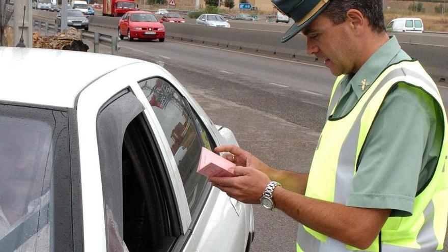 Handy am Steuer wird auf Mallorca richtig teuer