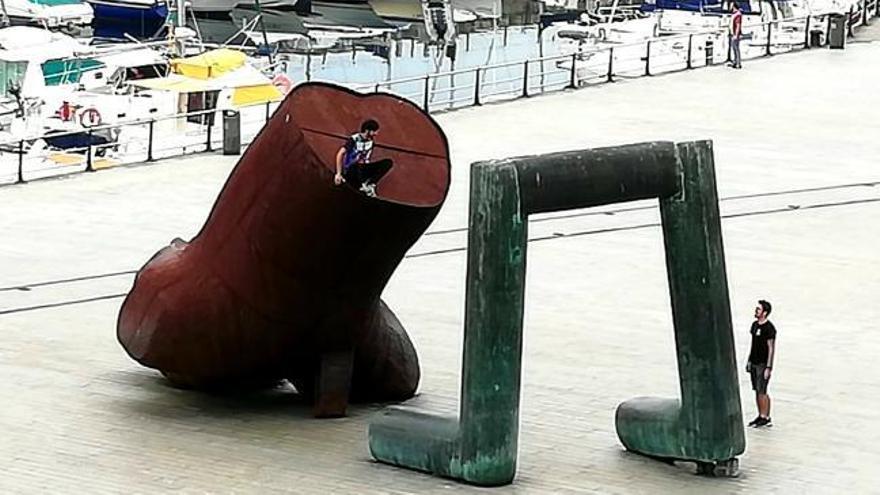 Vuelve el parkour a Vigo con un salto de infarto sobre el Nadador