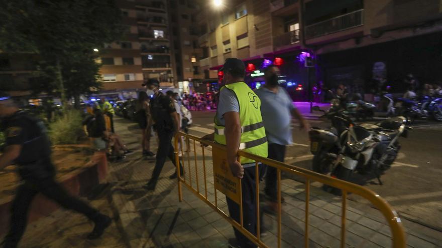 La policía impone cien denuncias a locales de la plaza Honduras y el Cedro