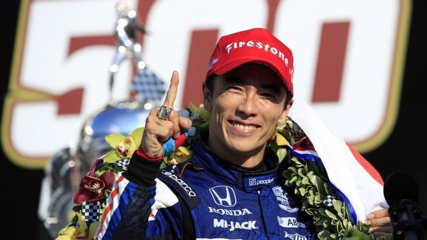 Ni Alonso, ni Palou, el japonés Sato repite su triunfo del 2017