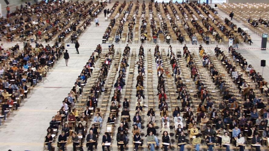 Casi 15.000 personas participarán en las oposiciones a 208 plazas de la agrupación profesional y ordenanzas de la Xunta