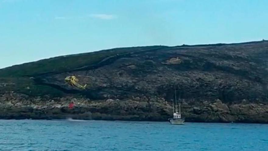 Extinguido el incendio en la isla de Ons, que quemó más de tres hectáreas