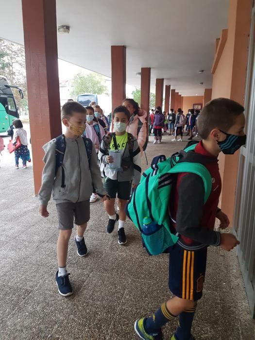 Villaviciosa: escolares a las aulas sin abrazos