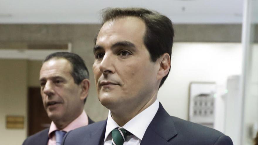 El número 2 de Interior, reprobado por reunirse con el hermano de Ignacio Gonzalez