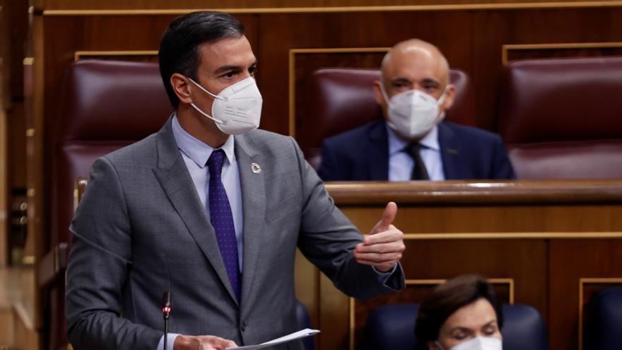 """Sánchez a Abascal: """"Con la ultraderecha el mundo es al revés"""""""