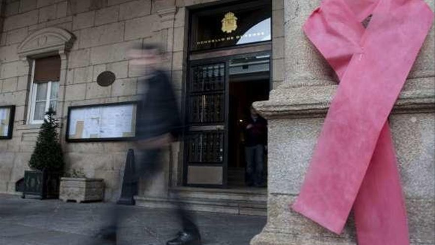En Ourense se diagnostican al año entre 15 y 20 nuevos casos de sida, 485 desde 1984