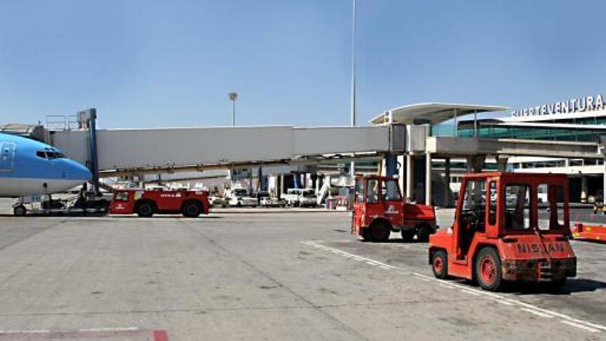 El Gobierno canario saca a concurso una ruta entre Fuerteventura y Budapest