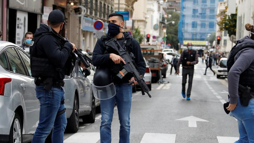 Almenys tres morts en un presumpte atac terrorista a Niça