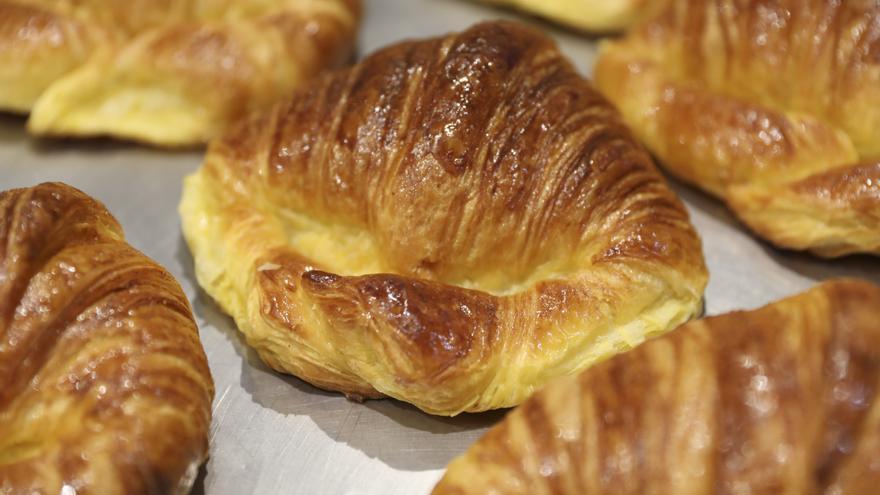 El croissant perfecto: de capa crujiente y corazón mullido
