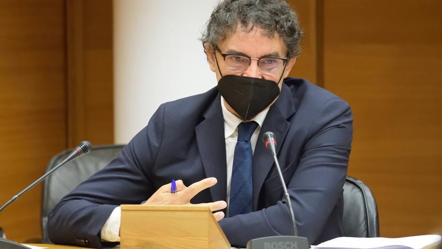 """Francesc Colomer denuncia en las Cortes que es """"superficial e injusto"""" gravar solo el alojamiento turístico"""