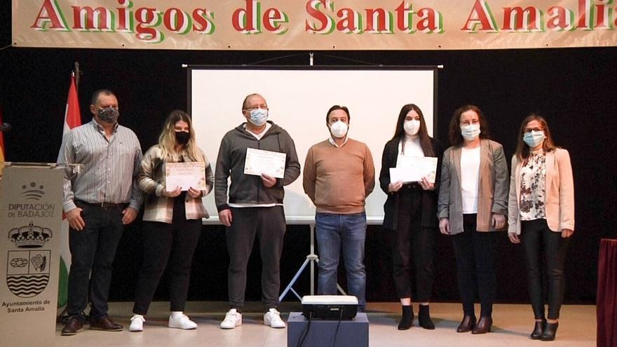 Entregan los premios del certamen de San Miguel de Santa Amalia