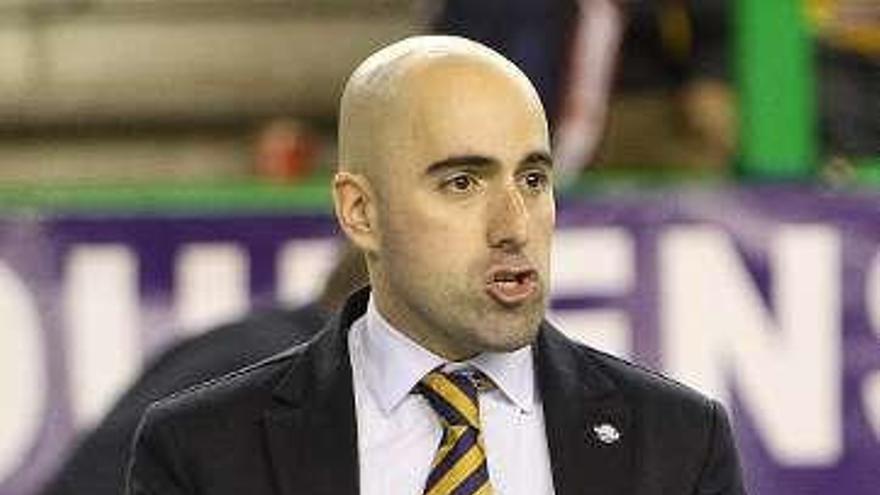 El club se suma a las condolencias por el fallecimiento del entrenador Raúl Jiménez
