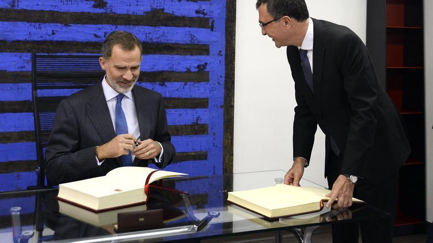 Felipe VI inaugura el Libro de Oro del Ayuntamiento de Murcia
