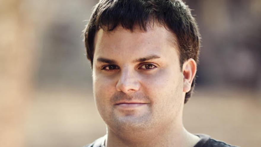 Adrián Guerra aspira a generar una industria del teatro en Canarias