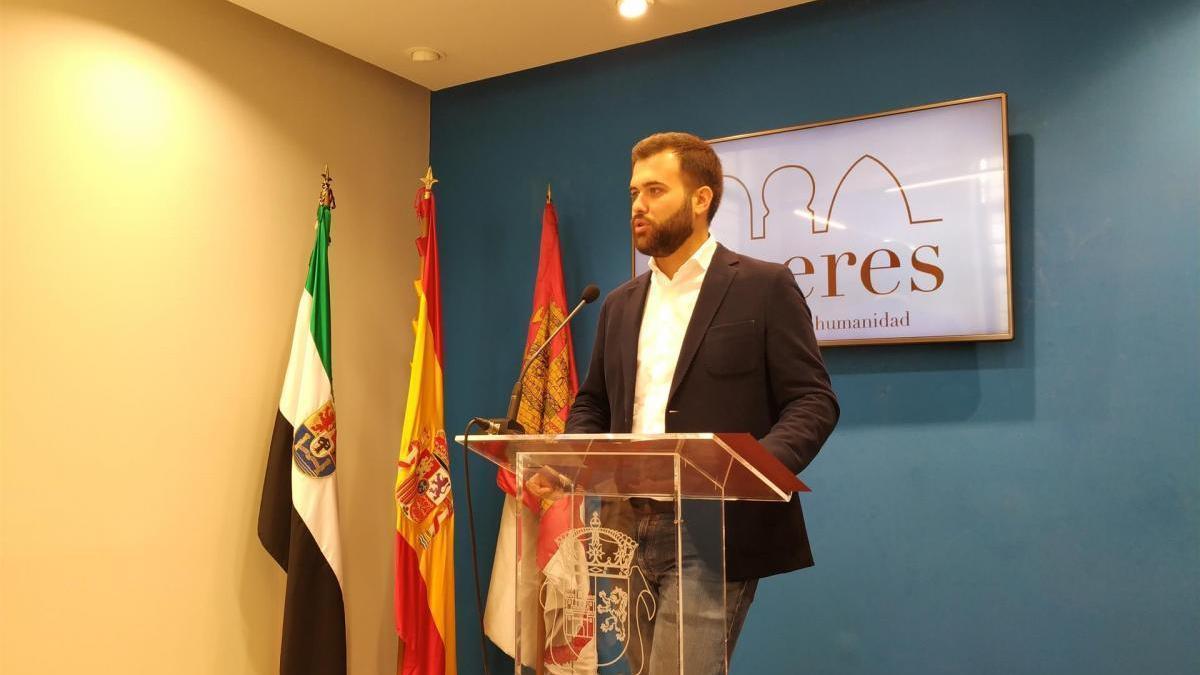 El alcalde de Cáceres libera a cinco concejales