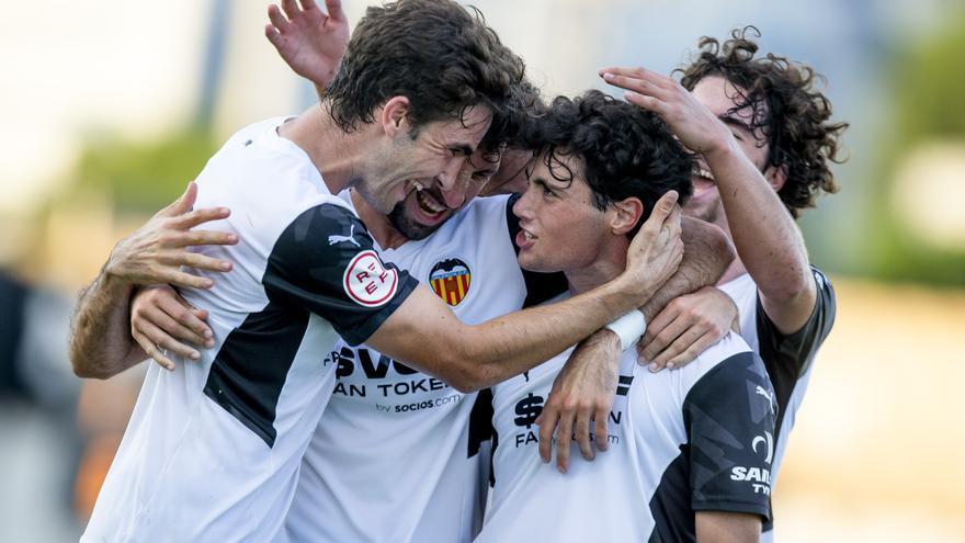Estreno prometedor del Valencia Mestalla a ritmo de goleadas (4-0)