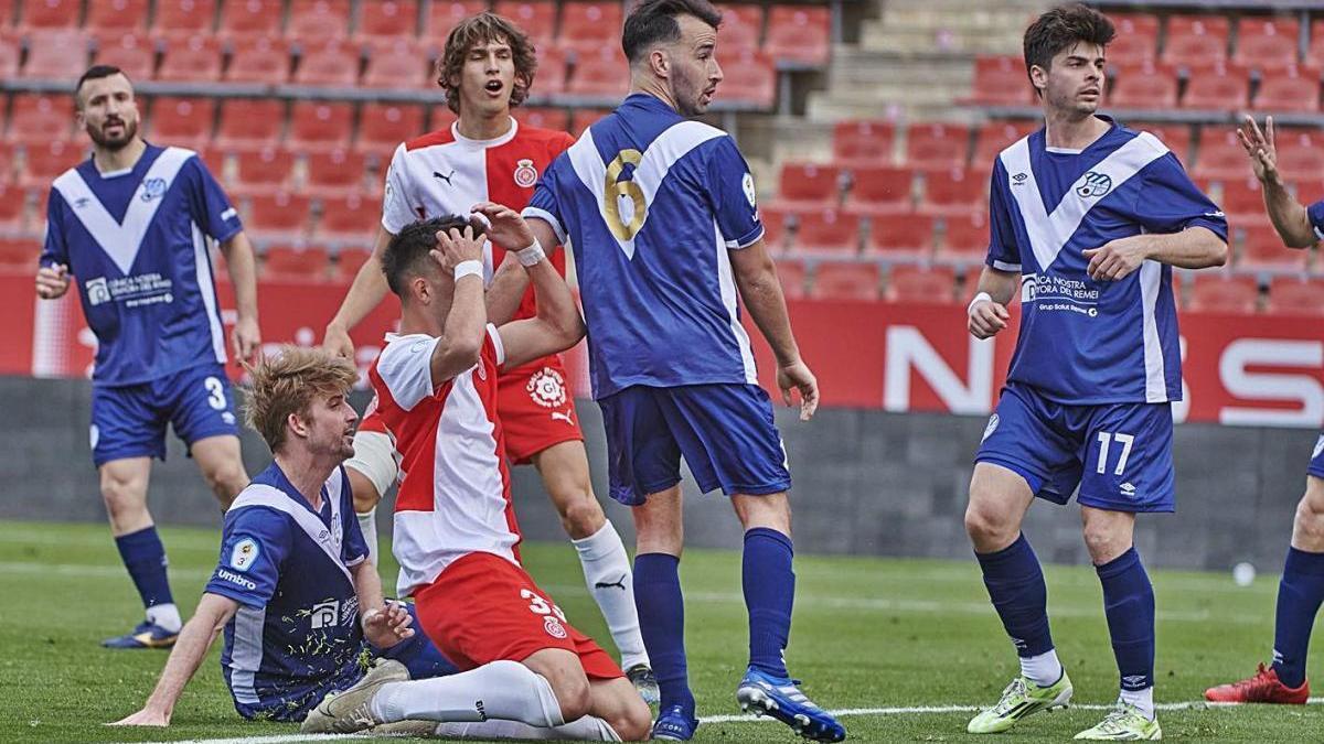 Iván Zamorano va lesionar-se ahir en el seu debut amb el Girona B.