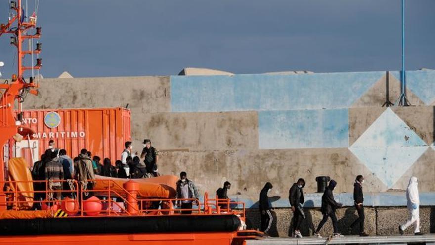 """Unicef lamenta la """"improvisación"""" del Estado para acoger a niños migrantes"""