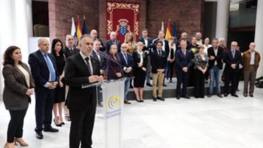 Firma del Primer Pacto por una Vivienda Digna en Canarias