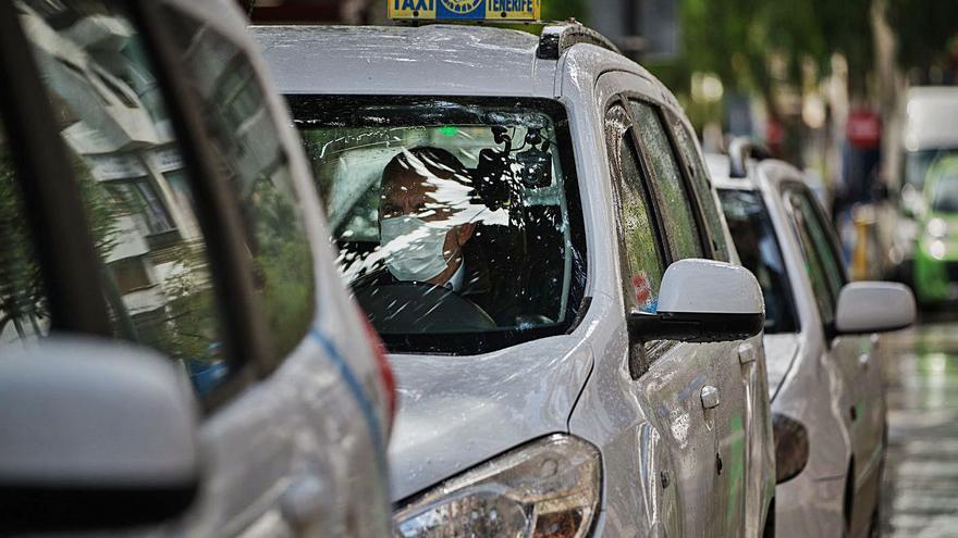 La Justicia condena a dos asociaciones de taxis por fraude a la Seguridad Social