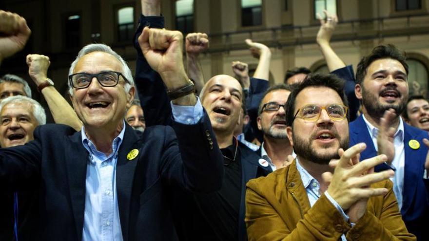 Maragall guanya a Barcelona, però empata amb Colau amb 10 regidors