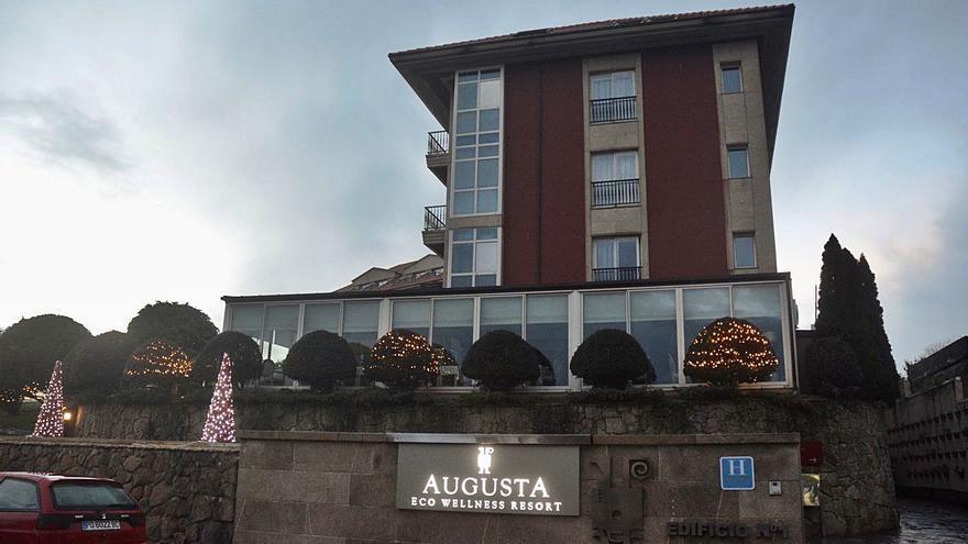 El hotel Augusta de Sanxenxo niega que su fiesta de Nochevieja fuese ilegal