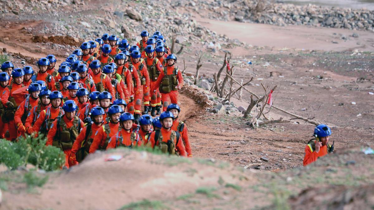 Rescate de corredores en la maratón de Gansu.