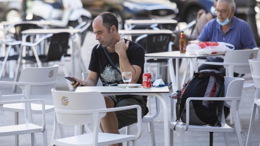 La Comunidad Valenciana reabre terrazas con un máximo de 4 personas