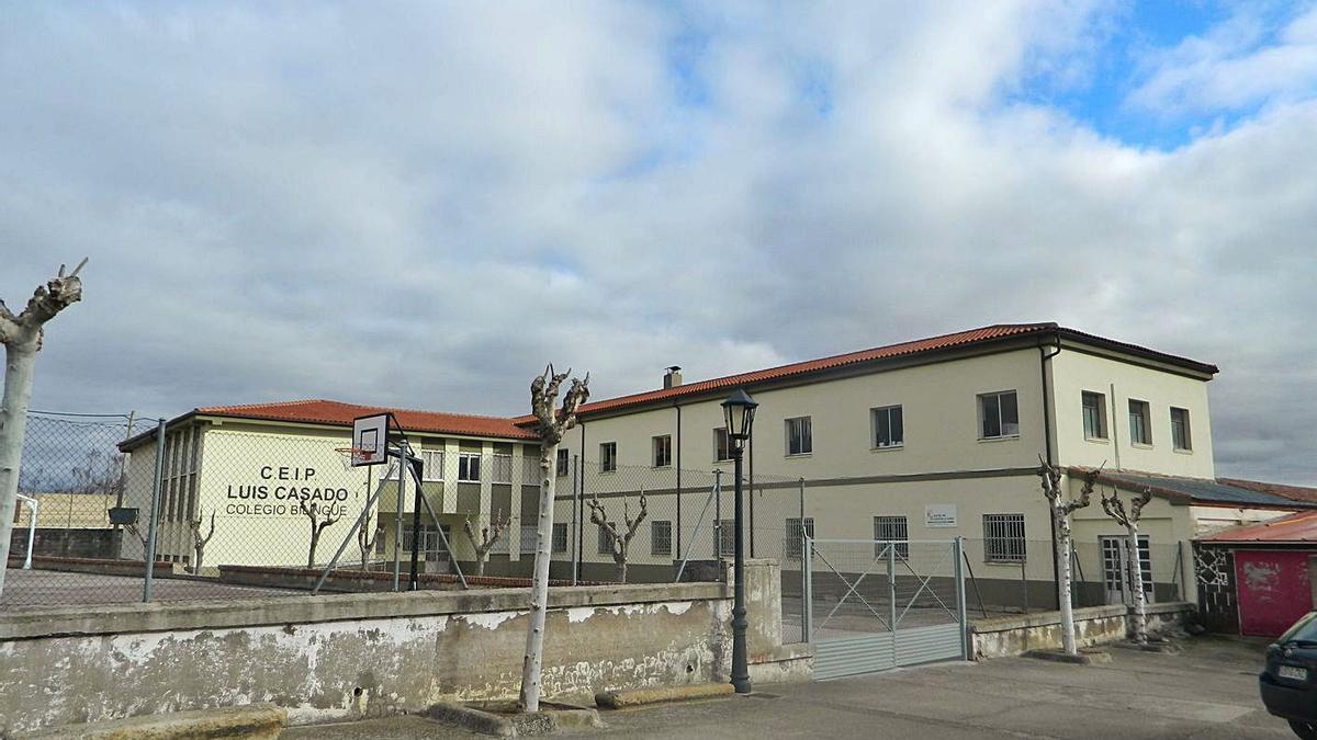 Colegio Luis Casado de Corrales del Vino. | L. O. Z.