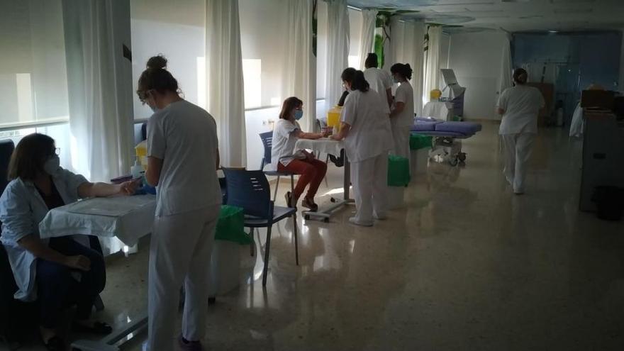 Los test del coronavirus detectan a 162 profesionales sanitarios contagiados en el Departamento de Elda